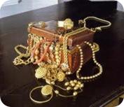 perhiasan emas ku
